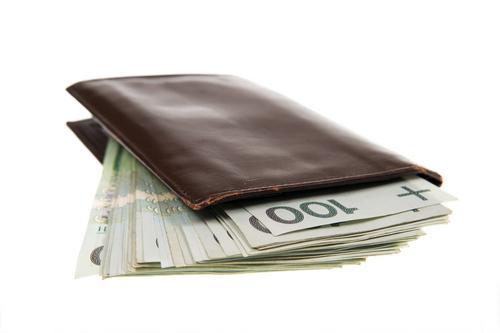 [OP-ED] MORE MONEY: POR FAVOR!