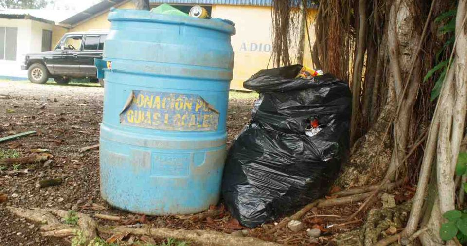 Ostional Residents Take Trash to Nosara Dump Due to Lack of Municipal Service