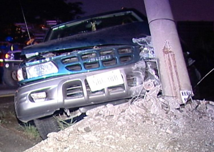 Three utililty poles struck in three separate accidents in less than 24 hours. Photo: Telenoticias.