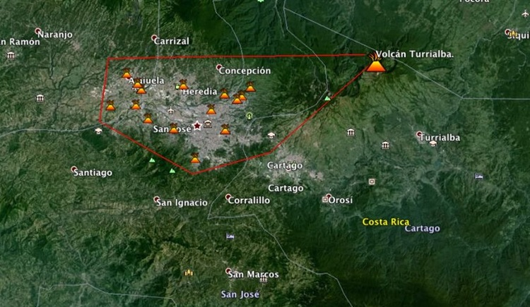 Alcance-ceniza-emanada-Volcan-Turrialba_LNCIMA20141030_0190_1