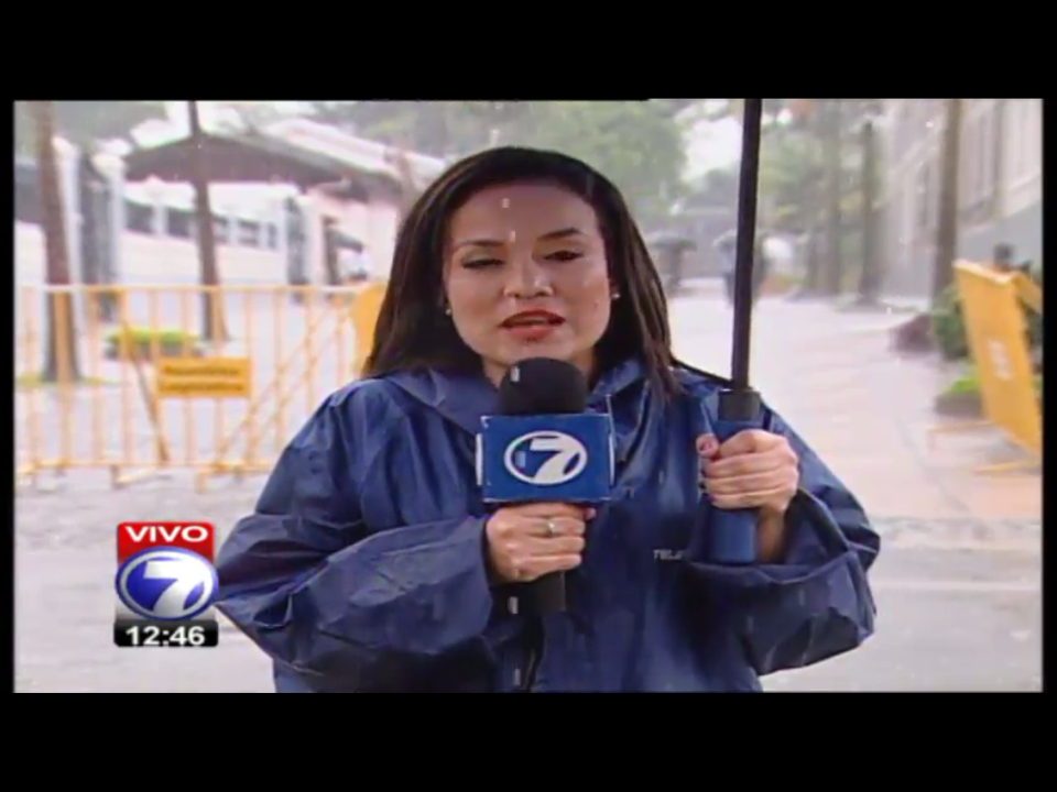 A screen capture of the 13:30 pm television news by Telenoticias shows in the background the area in front of the Legislative Assembly completely devoid of protesters.