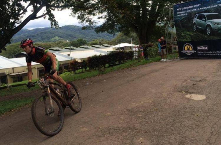 Luis Leao Parra rounds the bend on his way to winning stage 1 of La Ruta de los Conquistadores. Photo: La Ruta de Los Conquistadores.