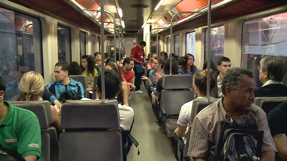 Passengers on the San José - Heredia train