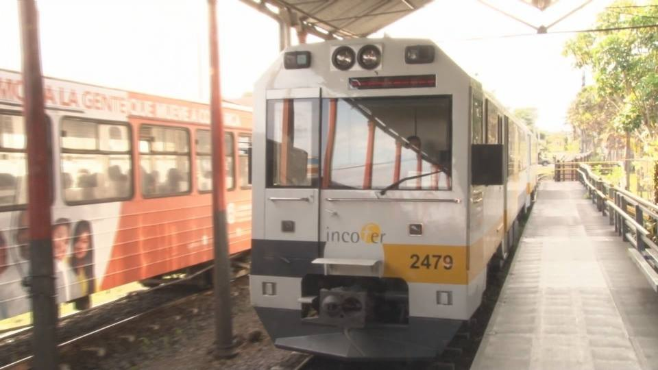 The ultra modern (in Costa Rica standards) Apollo train at the San José - Heredia station.