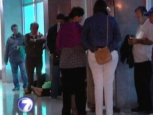 """Many Lined Up, But The Expected """"Apple"""" Frenzy Didn't Happen"""