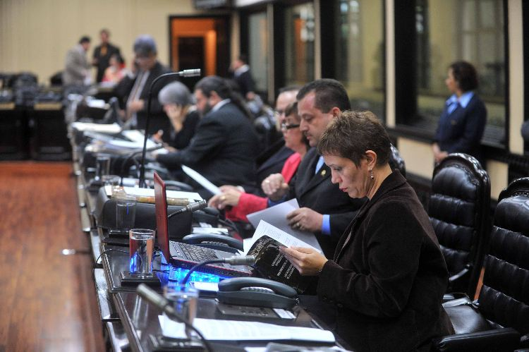 15/06/2010 El plenario en la asamblea legislativa /Alonso Tenorio