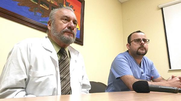 Francisco Pérez, director del Hospital San Rafael, y Jean Esteban Rodríguez Rojas, jefe interino del Servicio de Emergencias.