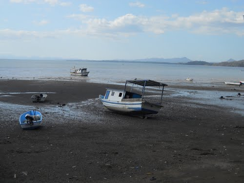 In Costa de Pajaros, Puntarenas, an outbreak of Chikingunya has affected many area fishermen and their families.