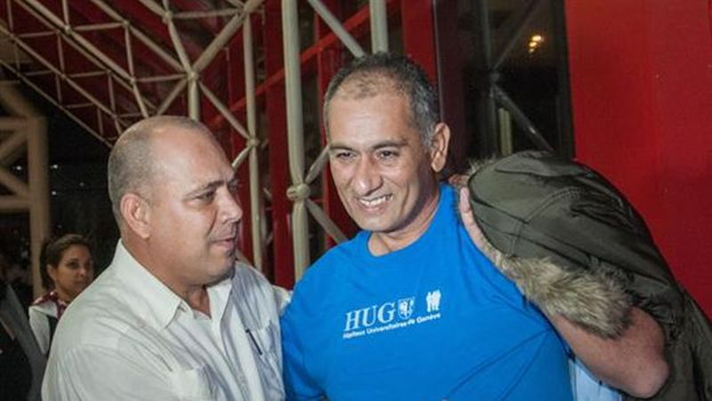 Cuban Doctor Infected With Ebola And Treated Arrives in Cuba With Desire To Return To Sierra Leone