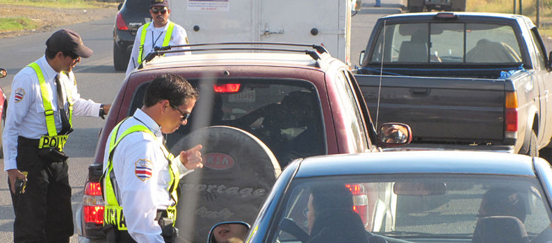 Regulations prohibit traffic officials, while on duty, to use cell phones for personal calls.
