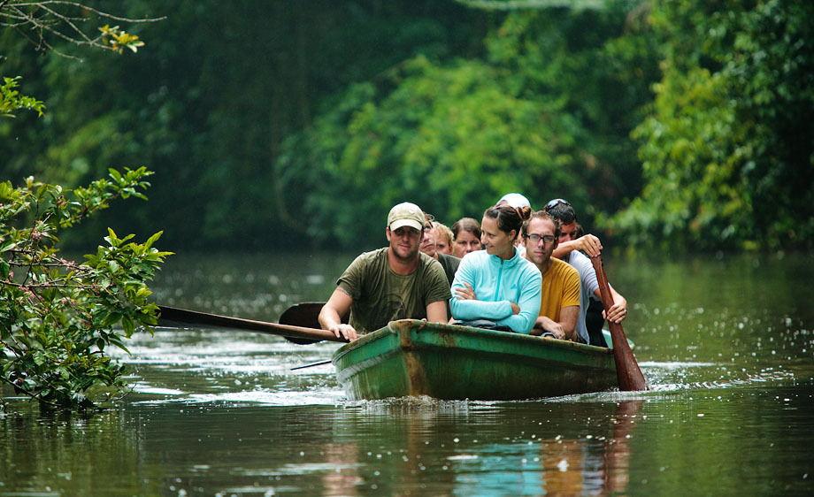 Canoeing through Tortuguero National Park. | Photo:  Thorntoncohen.com