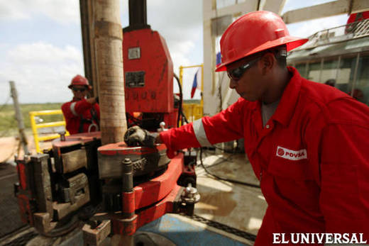 Crude oil prices have been falling since September 2014 (File photo El Universal)
