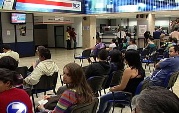 Waiting in line at the Banco de Costa Rica (BCR).
