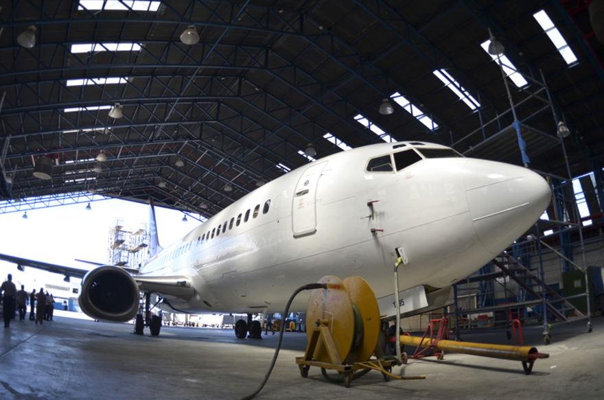 Coopesa was installed at the Juan Santamaría since 1963 and maintains large aircraft worldwide. | MARIAANDREA GARCÍA