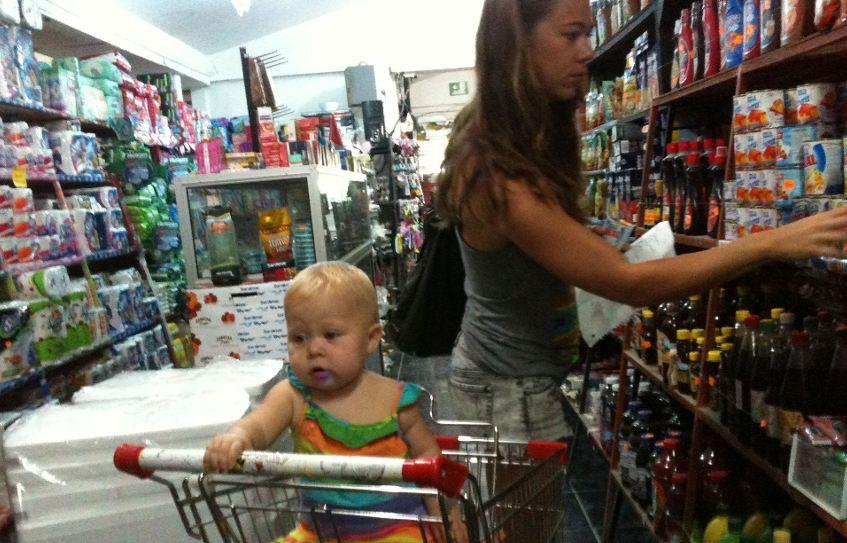 Grocery Shopping in Santa Teresa. Photo:  Puravidaculture.com