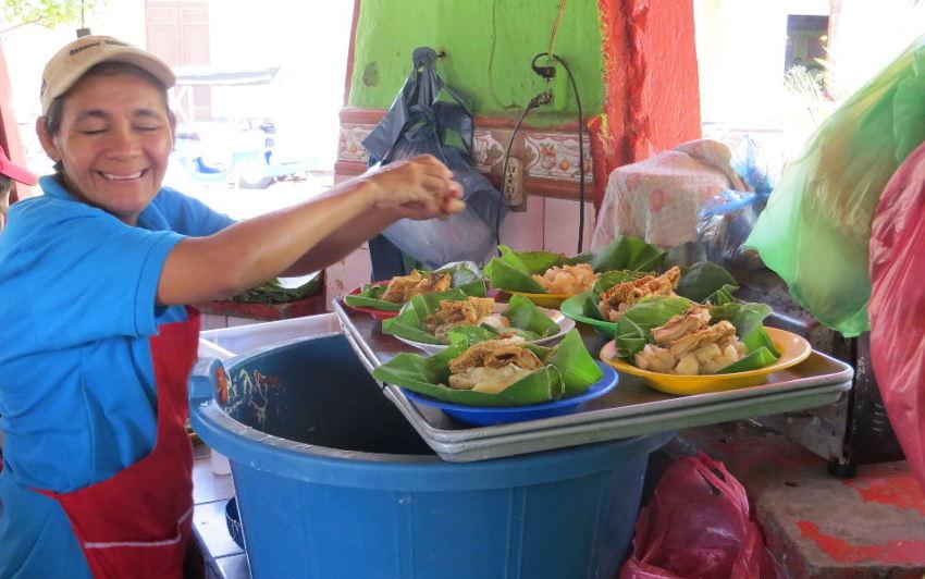 Lunch on the Plaza (Granada, Nicaragua)