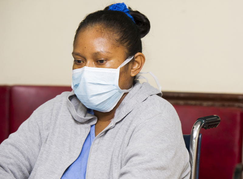 Yajaira García Gómez, 35 and originally from Guápiles, waiting for her fourth child. She is in week 21 of gestation. Surgeons who had surgery, the doctor who treats and obstetricians who monitor the fetus, say mom and baby are fine.   Ronald PÉREZ