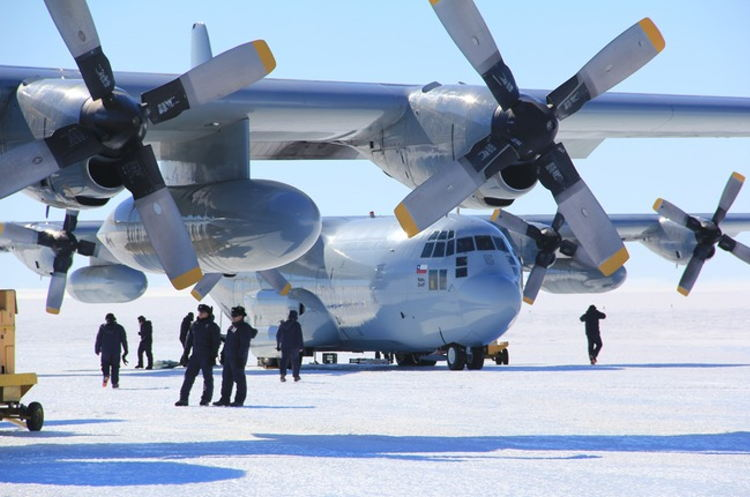 Chilean Army, Air Force, and Navy Support Scientific Mission in the Antarctic Region