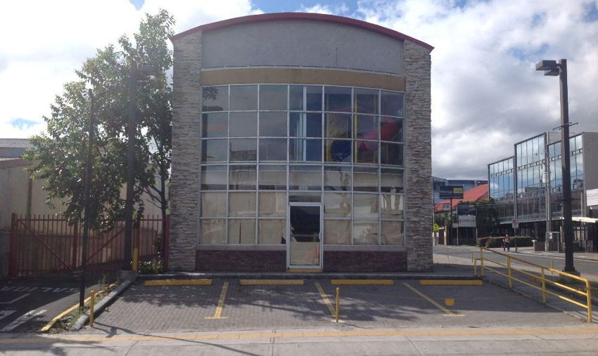 Wendy's Paseo Colon restaurant was one of the first to be closed last August. Was it the sign of what was to come?