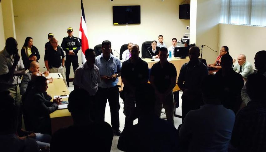 The Limón courthouse Monday morning, for the reading of the sentence. Photo: Rafael Pacheco, La Naion