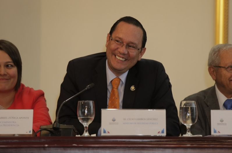 Celso Gamboa announced his resignation as Minister of Security during a live press conference this afternoon.