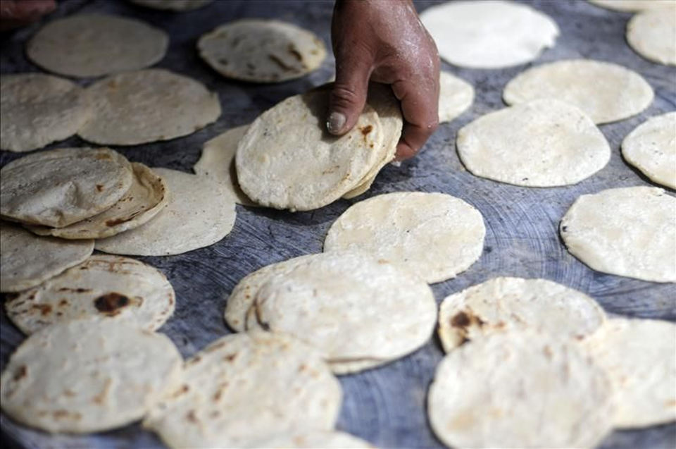The bill, is approved in law, would require restaurant chains to print nutrition information on their menus. Photo: homemade tortilla