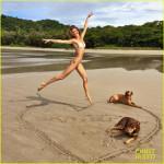 tom-brady-goes-shirtless-for-costa-rica-beach-stroll-05