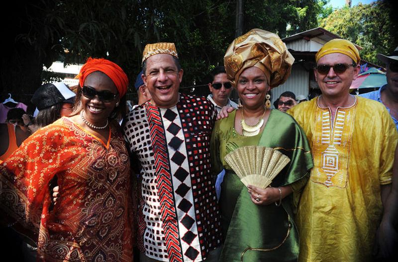 Luis Guillermo Solis: 'I, as Afro-descendent, do not feel offended by Cocorí' ( 'yo, como afrodescendiente, no me siento ofendido por Cocorí')