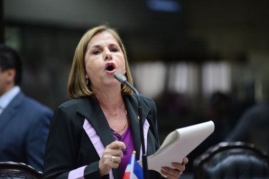 Nidia Jiménez, of the Partido Acción Ciudadana (PAC), spearheading the bill to revive the corportaions tax