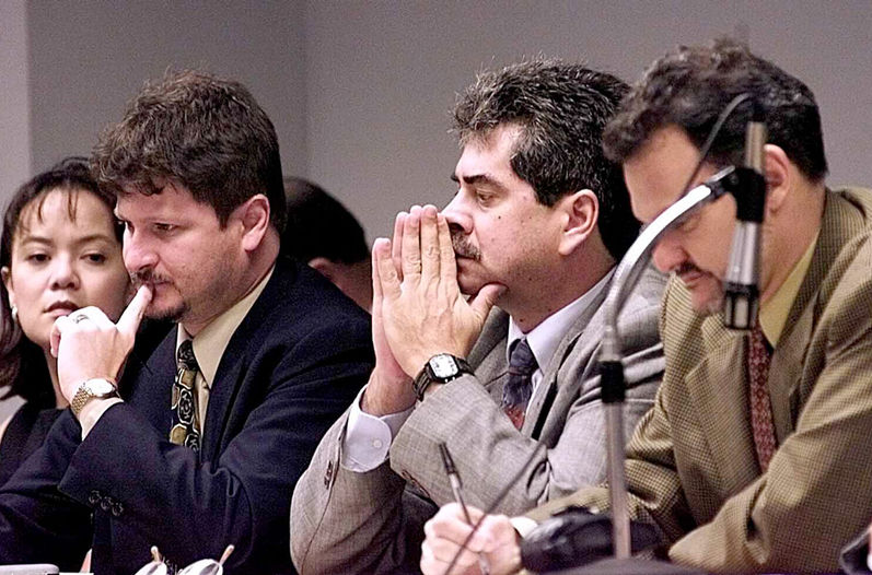 Anglo Bank Managers were sentenced in 2001 as responsible for the financial debacle of the state entity.