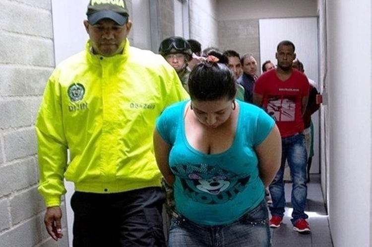 """After a two-year investigation that included surveillance and wiretappings, the Colombian Police's Directorate of Criminal Investigation and Interpol captured Briseida Machado, alias """"Paola,"""" the alleged pimp of the Clan Úsuga's most important leaders. [Photo: Colombian National Police]"""