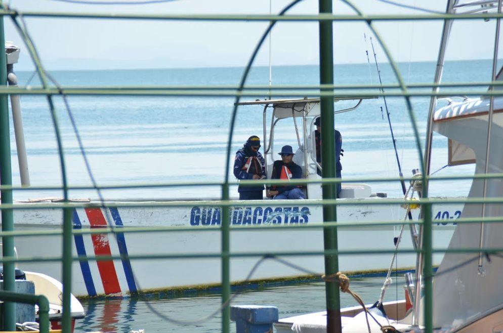 Guardacostas-coordenadas-trasladaron-extranjero-Pacifco_LNCIMA20150609_0166_27