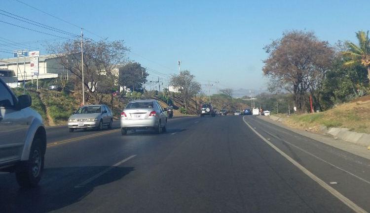 The autopista Bernado Soto (part of Ruta 1) west of the San Jose international airport
