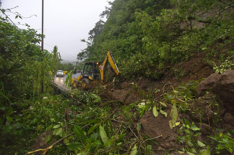 Landslide at kim 19 of the Ruta 32, the main road to the Caribbean coast