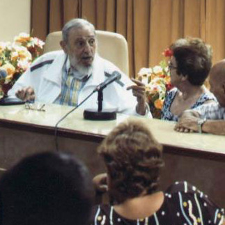 Fidel Castro Visits Cheese-Makers in Rare Public Appearance