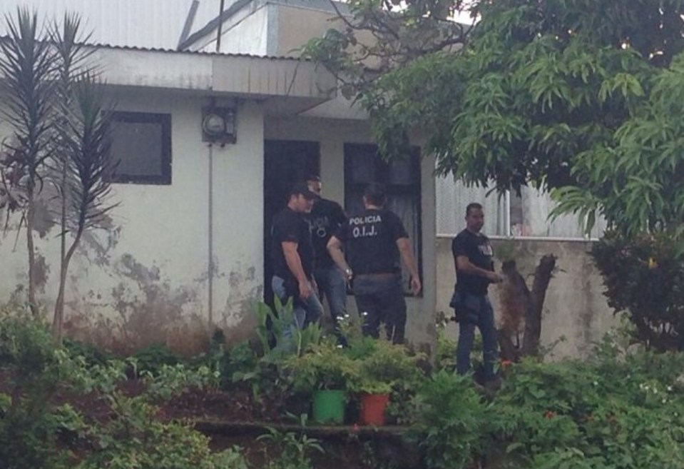 OIJ conducted an early morning raid on a home in San Francisco de Heredia to arrest a suspected wanted by the FBI.