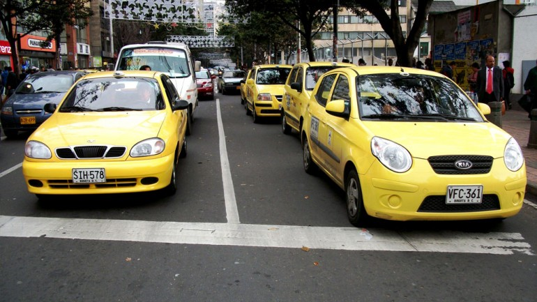 bogota_taxis-770x433