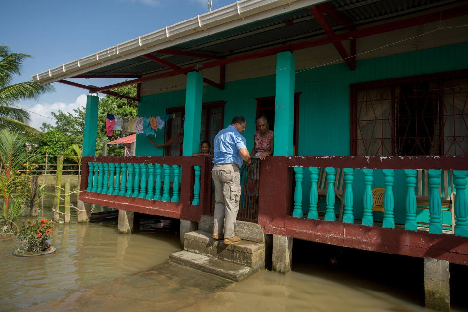 President Luis Guillermo Solis personally visited the affected areas in Limon