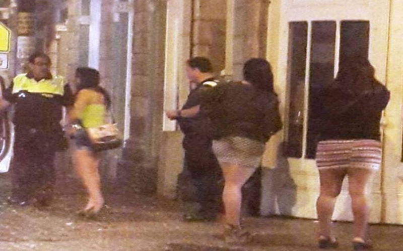 Municipal police patrolling the downtown streets of San Jose known for prostitution of minors. Photo Foto Facebook Seguridad Ciudadana San Jose