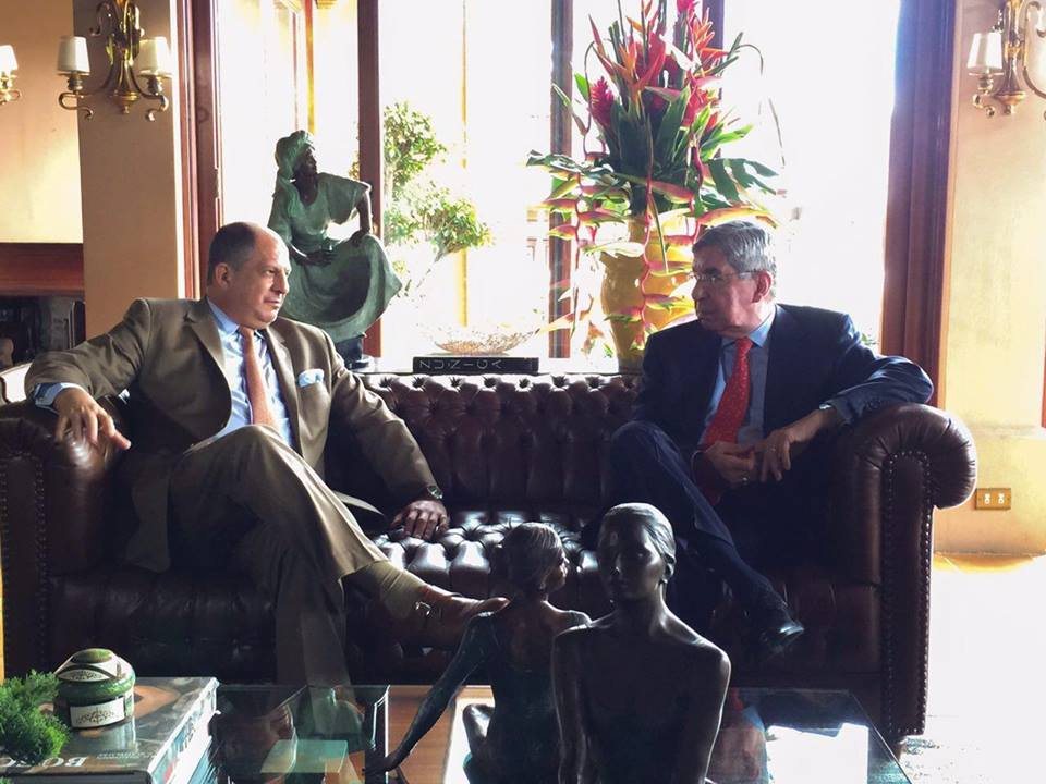 President Luis Guillero Solis     President Luis Guillero Solis (tan suit) in a meeting with former President Oscar Arias (red tie) in the Arias home in Rohrmoser Thursday morning.