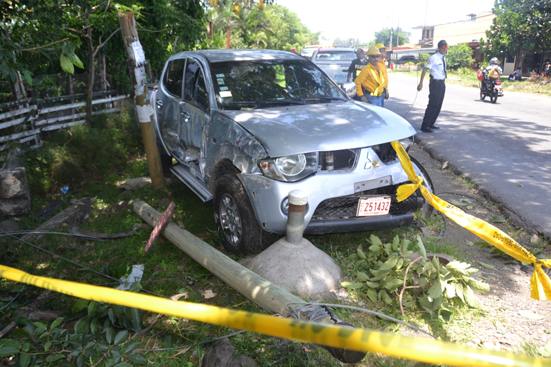 One of the suspects crashed his vehicle, tried to escape in a taxi; the other wound up in a dead-end street and tried to to escape on foot