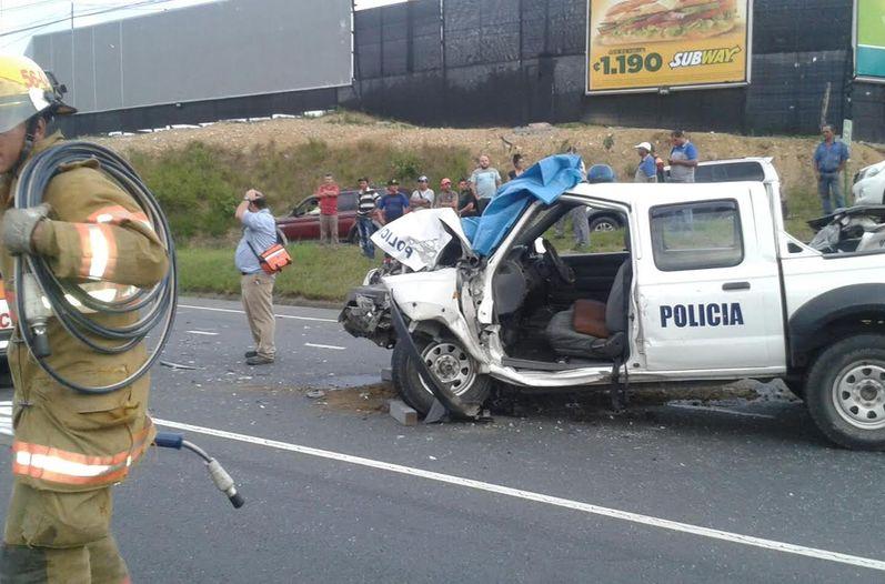 destrozada-particular-autopista-Prospero-Fernandez_LNCIMA20150818_0229_5