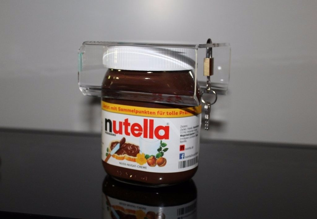 The Nutella Lock: German Gadget Clamps Down on Nutella Thieves