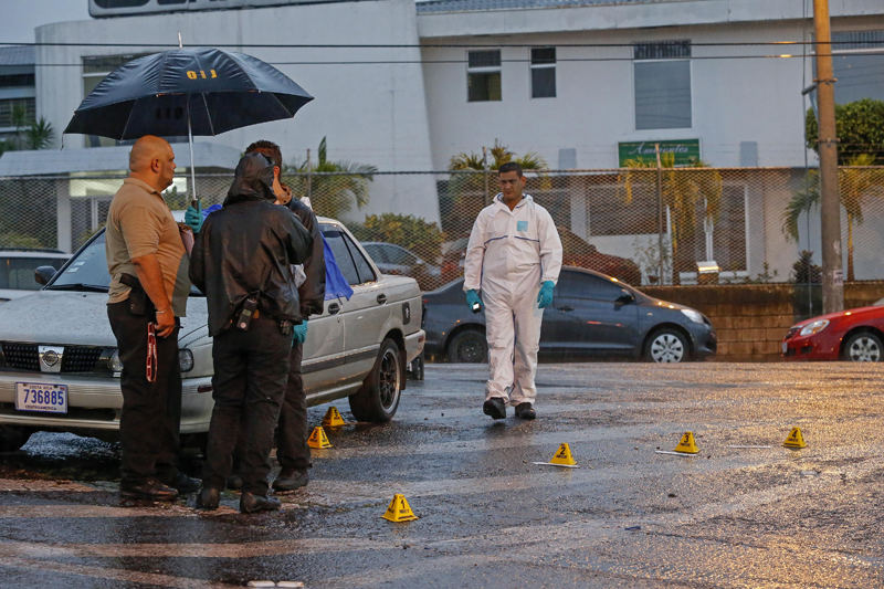 The shooting of informal taxi driver Gamboa Avila in Hatillo is unusual for police because the victim did not have a criminal history. Foto Mayela López, La Nacion