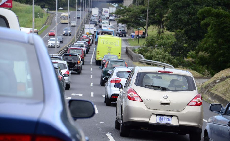 The daily traffic congestion on the autopista General Cañas, San Jose's major artery