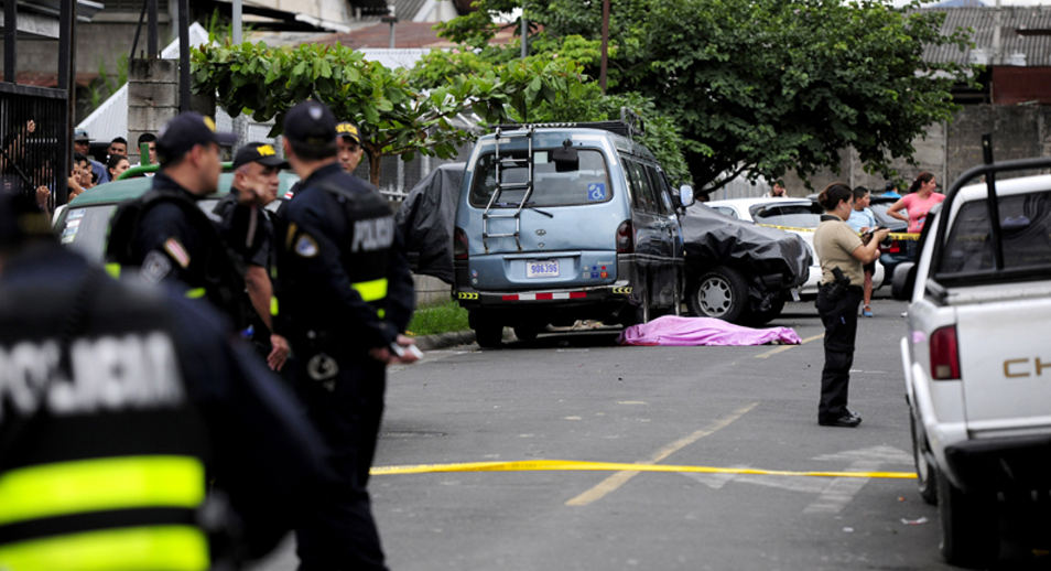 On September 10 two murders occurred within 30 minute of each other, one in Desamparados, the other in Hatillo