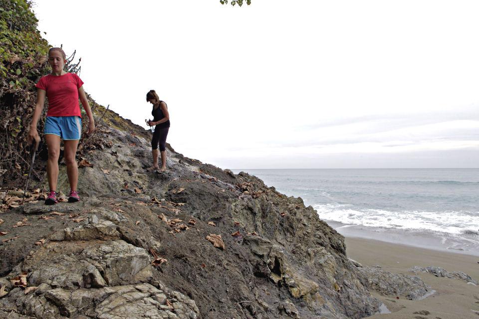 Osa-Peninsula-Costa-Rica-Hiking-Trail-JoeBaur