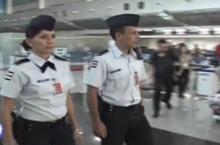 cops0airport-sansjoe