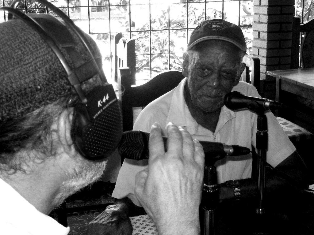 http://radios.ucr.ac.cr/radio-u/radio-u/481-radio-u-viajo-hasta-talamanca.html
