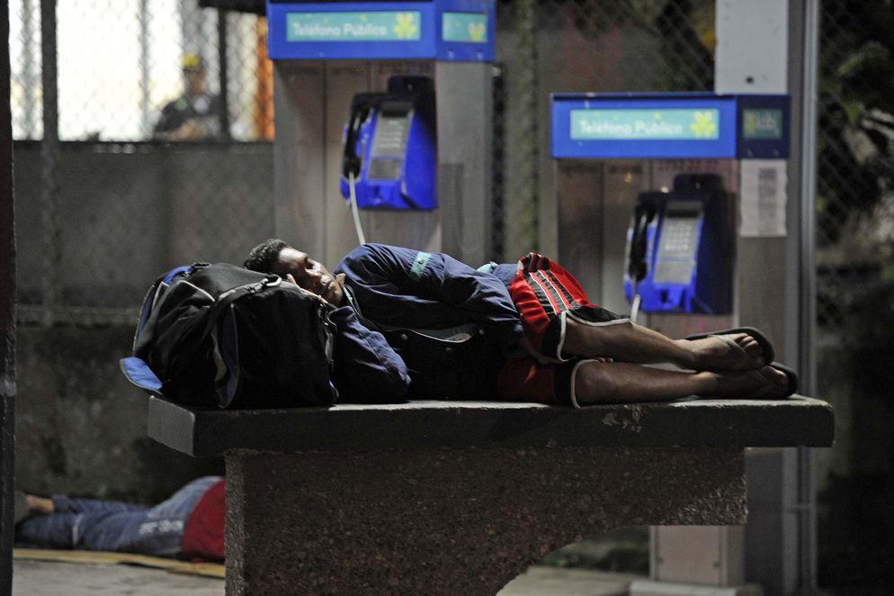 Photo La Nacion. See more at La crisis migratoria cubana en fotos